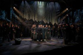 Fiddler-on-the-Roof-West-End-Musical-Female-Cast-Singing