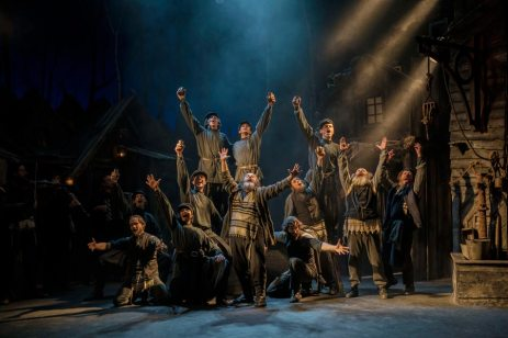 Fiddler-on-the-Roof-West-End-Musical-Men-Singing-Arms-Outstretched