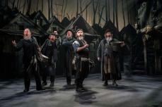 Fiddler-on-the-Roof-West-End-Musical-Men-Singing