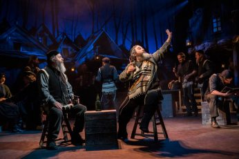 Fiddler-on-the-Roof-West-End-Musical-Tevye-Gesticulating