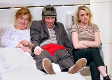Anne-Kent-Rowan-Polonski-Evanna-Lynch-in-The-Omission-of-the-Family-Coleman.-Credit-Simon-Annand (1)