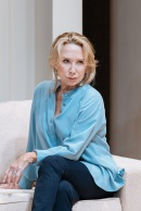 Felicity-Kendal-in-The-Argument-at-Theatre-Royal-Bath.-Credit-Manuel-Harlan