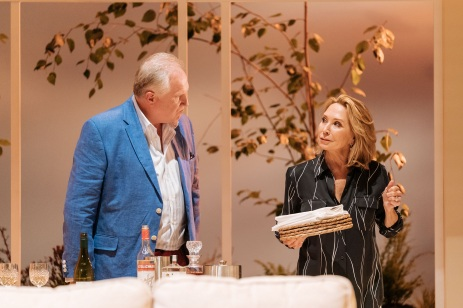 Rupert-Vansittart-and-Felicity-Kendal-in-The-Argument-at-Theatre-Royal-Bath.-Credit-Manuel-Harlan