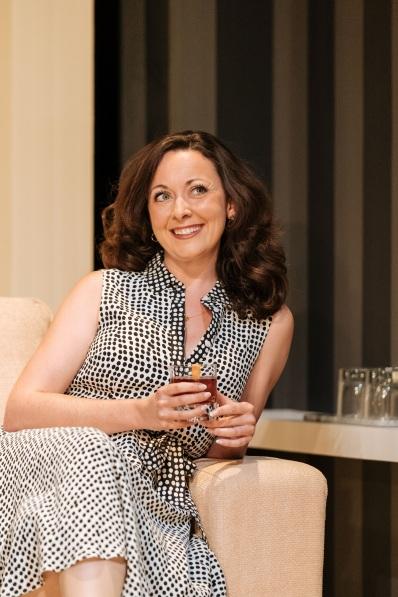 Sarah-Earnshaw-in-The-Argument-at-Theatre-Royal-Bath.-Credit-Manuel-Harlan
