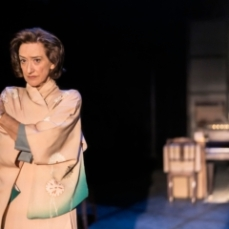 1.Haydn-Gwynne-in-the-title-role-of-HEDDA-TESMAN-a-CFT-Headlong-Lowry-co-production-Photo-Johan-Persson_20807