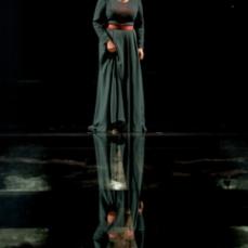 Dervla-Kirwan-as-Lady-Macbeth-in-Macbeth-at-Chichester-Festival-Theatre-Photo-Manuel-Harlan-038