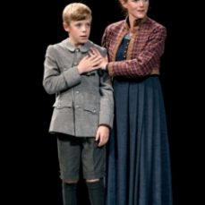Isabel-Pollen-Lady-Macduff-and-Matthew-O'Shea-Young-Macduff-in-Macbeth-at-Chichester-Festival-Theatre-Photo-Manuel-Harlan-266-Edit